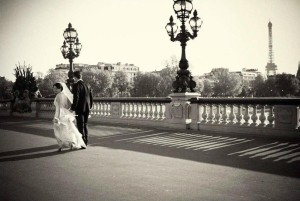 elope to Paris photographer Pont alexandre III