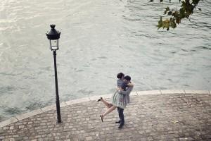 Engagement honeymoon photo tour Paris