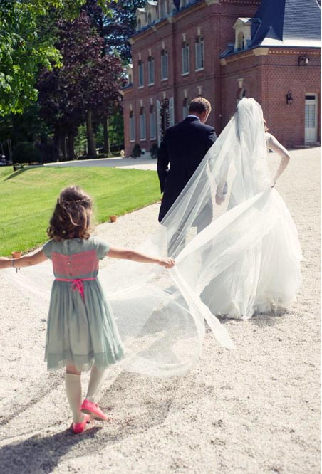Destination Paris wedding photographer elopement family portraits