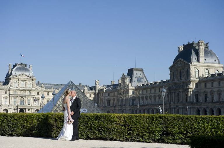 Paris spring elopement photographer