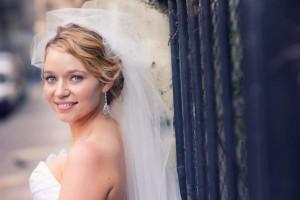 portrait of a bride wedding in Paris
