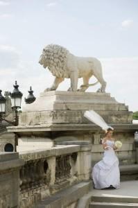 Paris photo tour bride