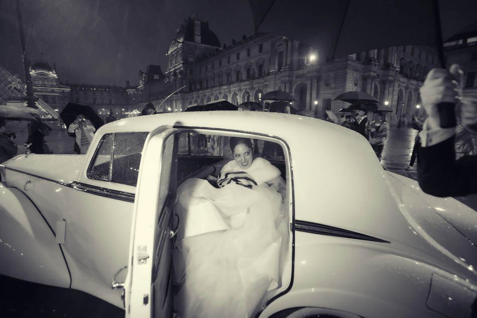 paris elopement with rain