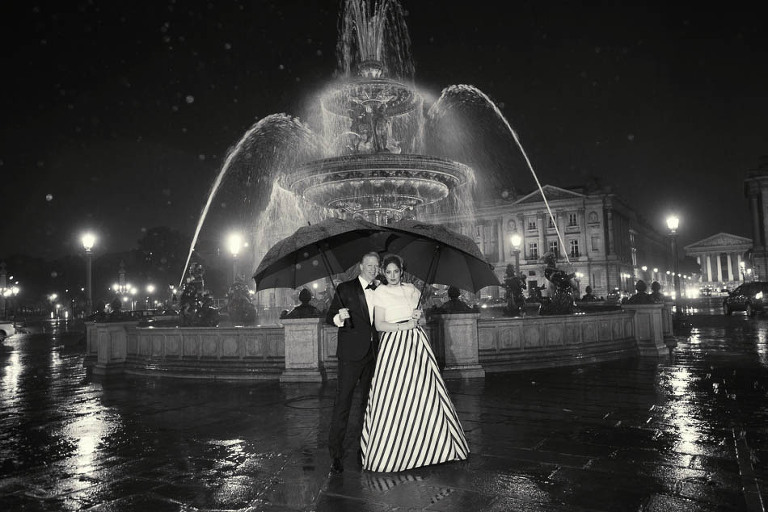 paris elopement in the rain photographer