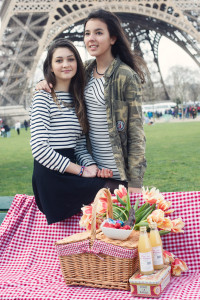 picnic-eiffel-tower-teenager-photo-session
