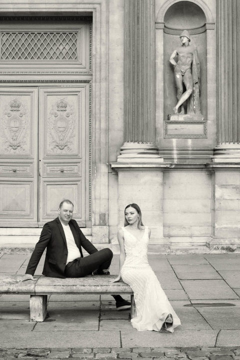http://www.weddinglight.com/engagement-portrait-session-le-louvre/