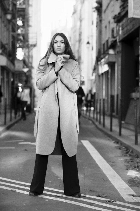 Paris book comédienne