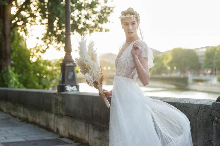 http://www.lovepicnicparis.com/paris-secret-proposal-gourmet-picnic-at-le-louvre/