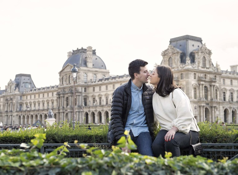 Louvre-engagement-photographer